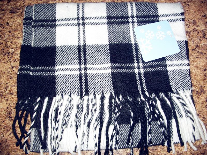 Unisex Winter Scarf White and black Plaid