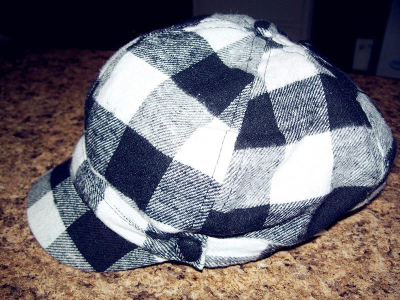 Women's Winter Hat White and black Plaid One Size