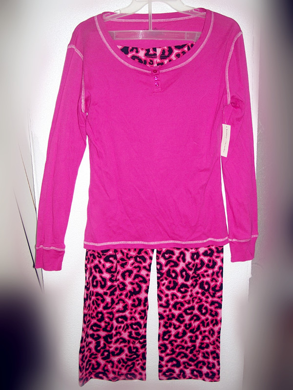 2 Piece Bobbie Brooks Sleepwear Sz M 8/10 Pink and Pink Leopard