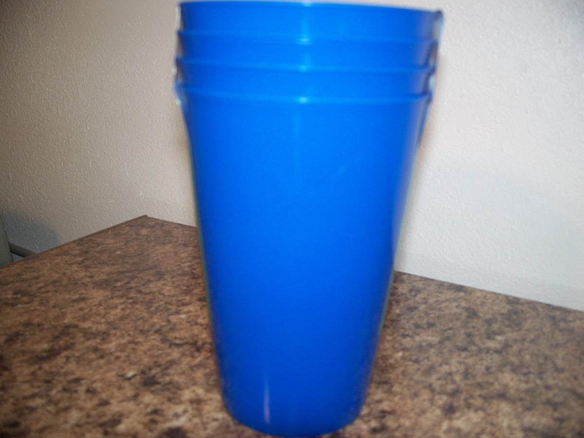 Drinking Glasses (blue plastic)