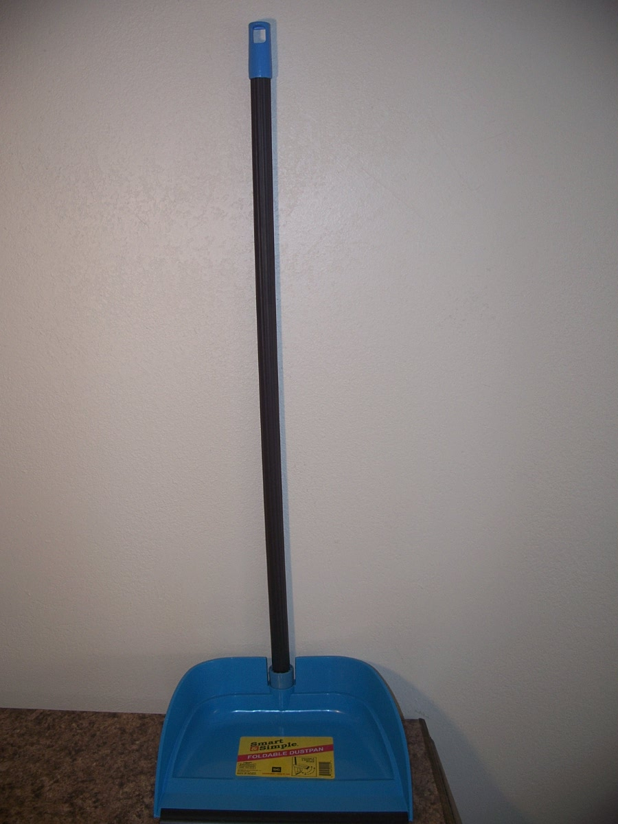 Long Handle Foldable Dustpan (Blue )