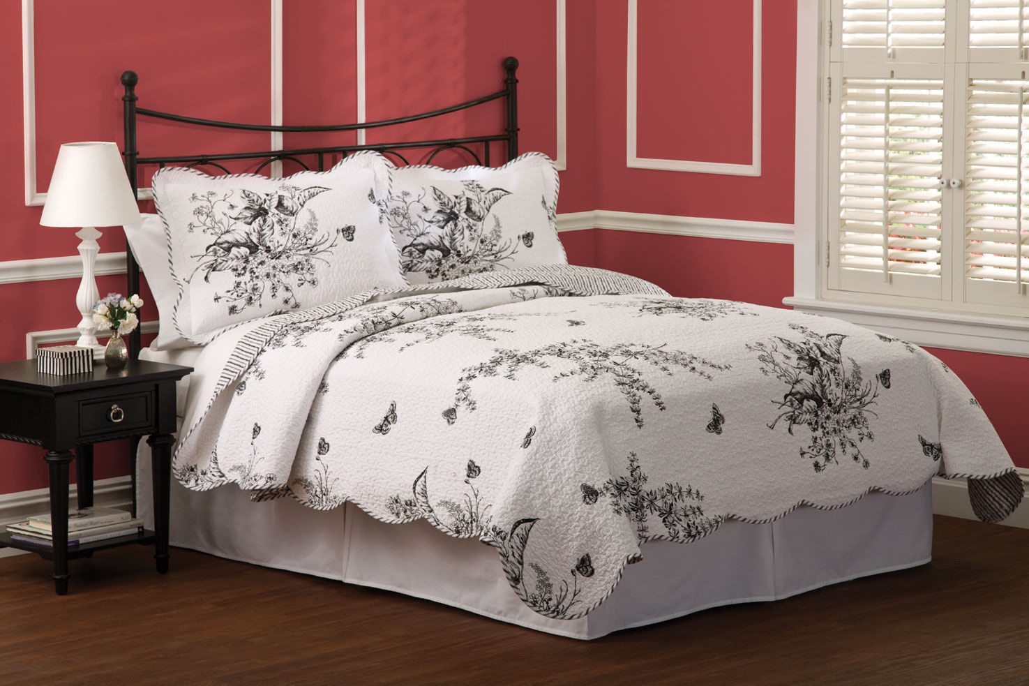 Evans Meadow Full / Queen Quilt with 2 Shams