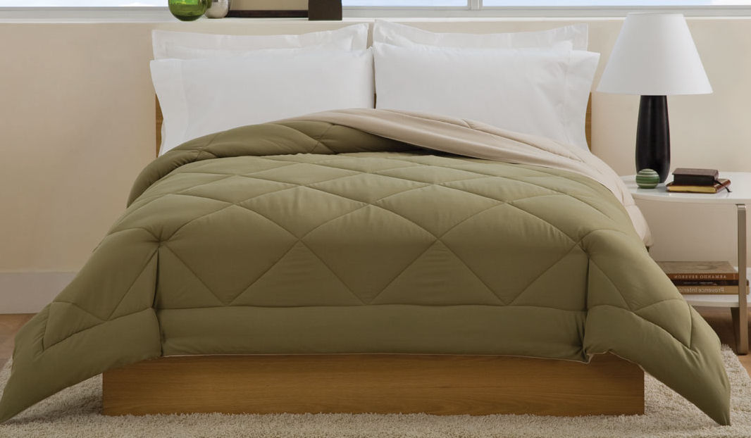 Villa Full / Queen Comforter Olive / Cream