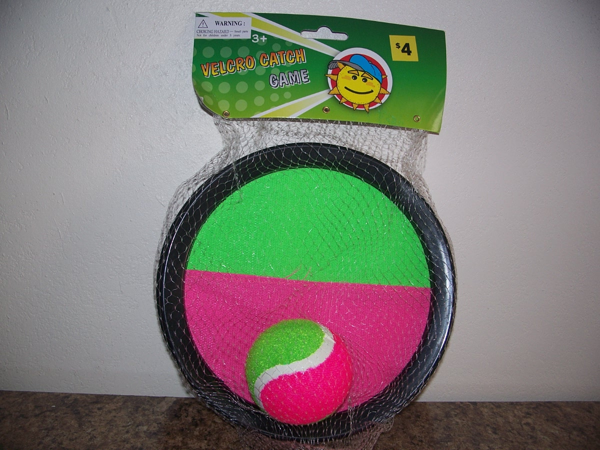 Velcro Catch Game ( Green & pink )