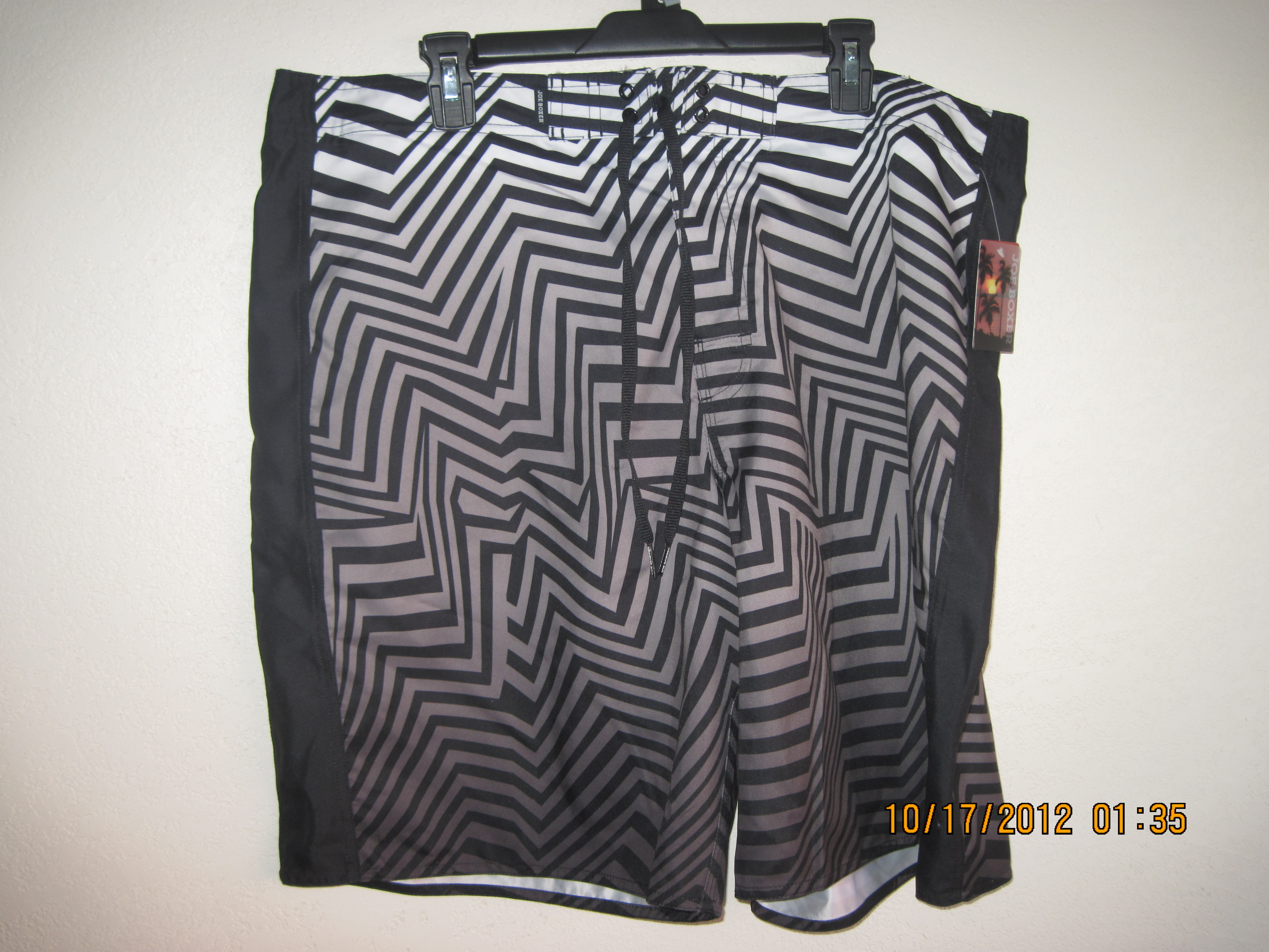 Joe Boxer Sz 44 Color Block Swimwear Shorts (black & white)