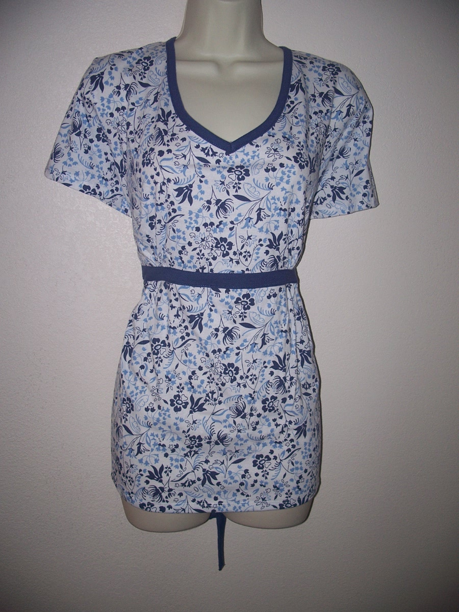 Bobbie Brooks Blue & White Floral Print Top Small 6