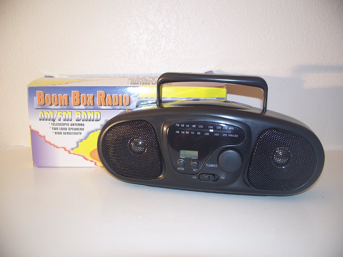 Boom Box Radio AM / FM BAND