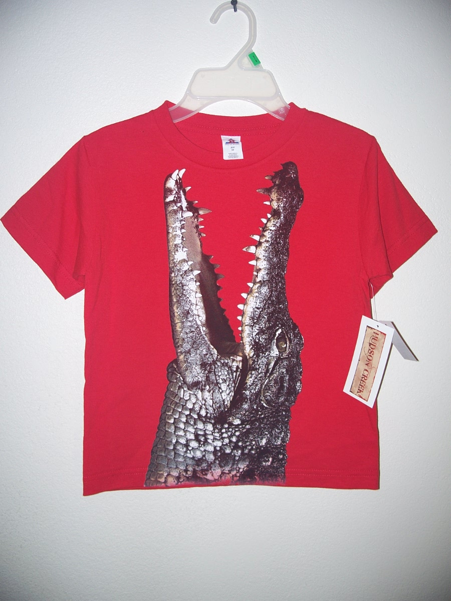Red Alligator Sz Small 5/6 T-Shirt