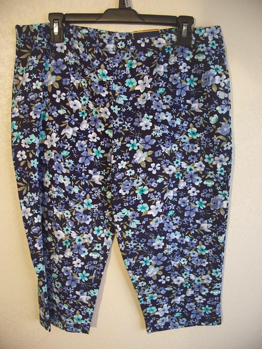 Basic Editions Sz XL Capri Legging (Flowers)