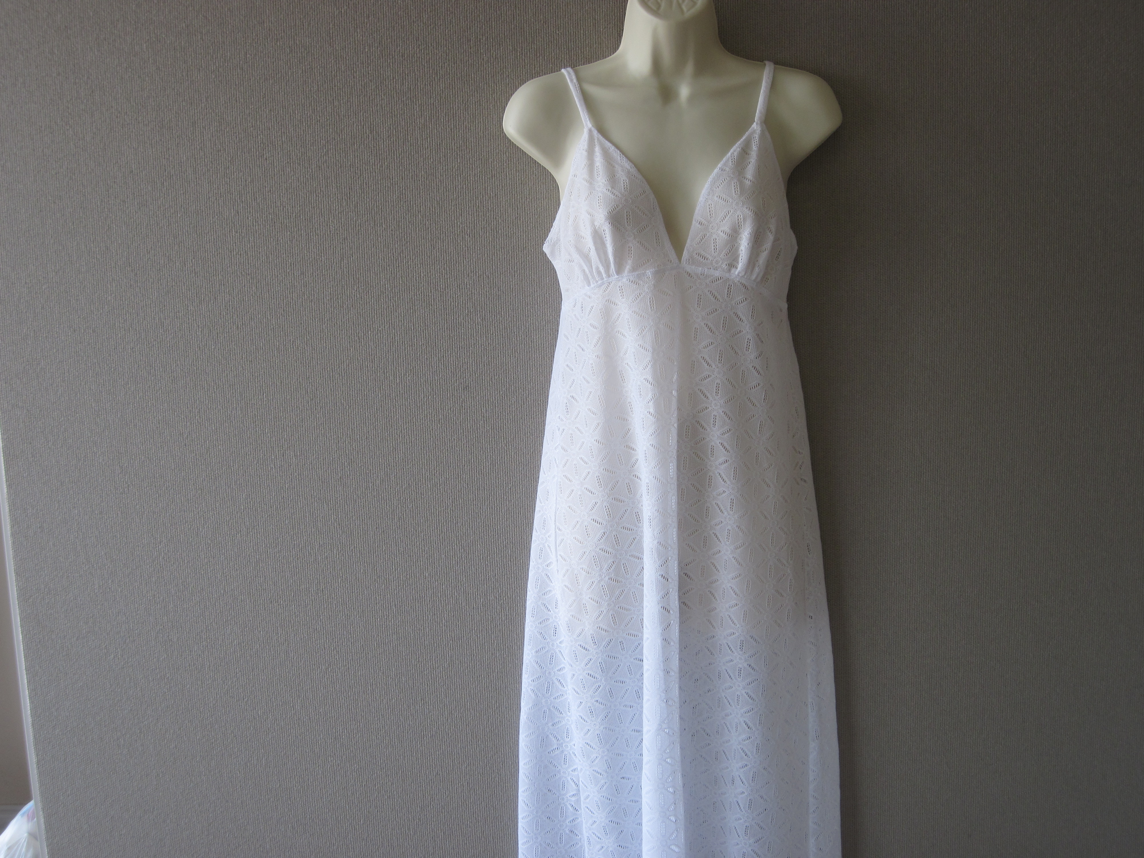 Jaclyn Smith Sz Small Crochet Maxidress (white)