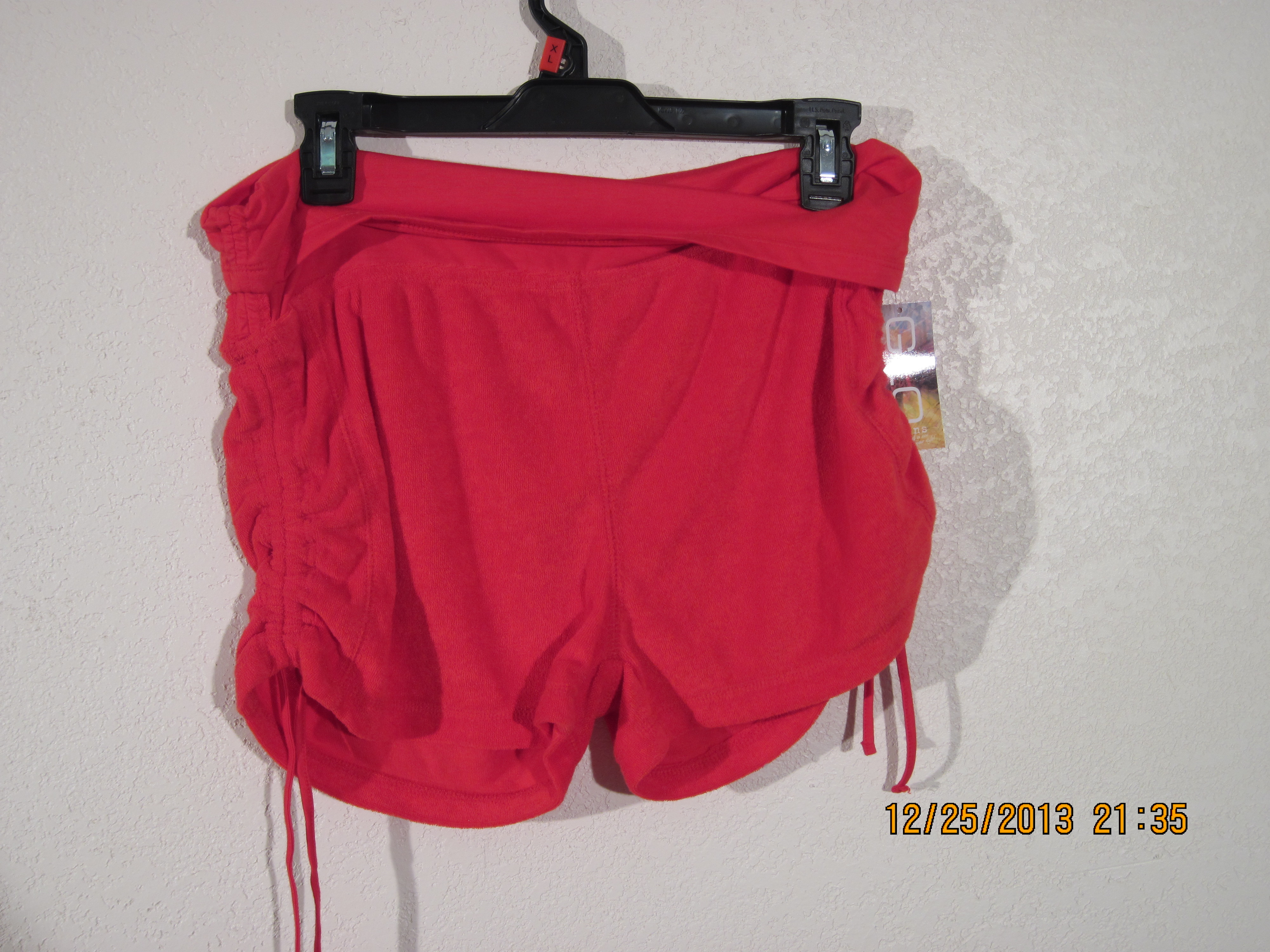 GLO Junior Sz XL French Terry Shorts (red)