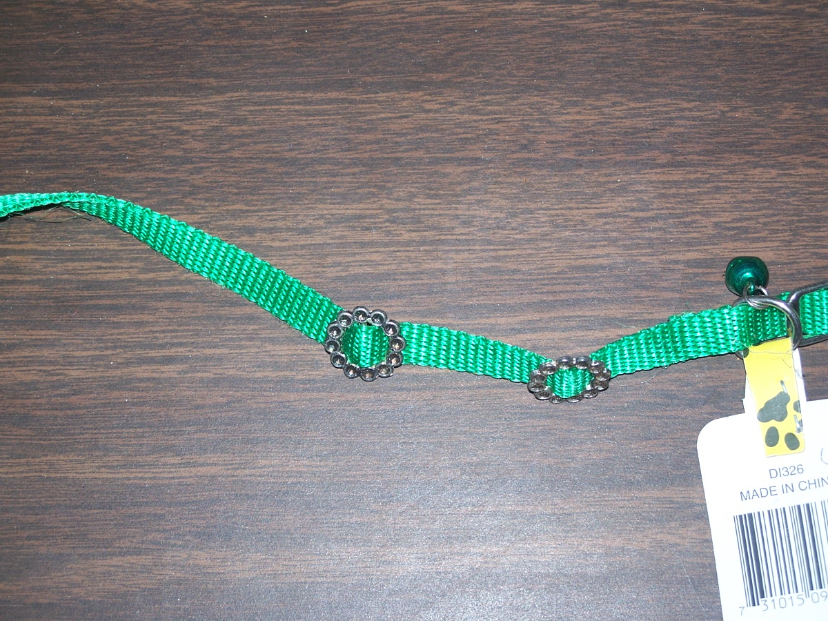 Tiny's Cat Collar with Bell (green)