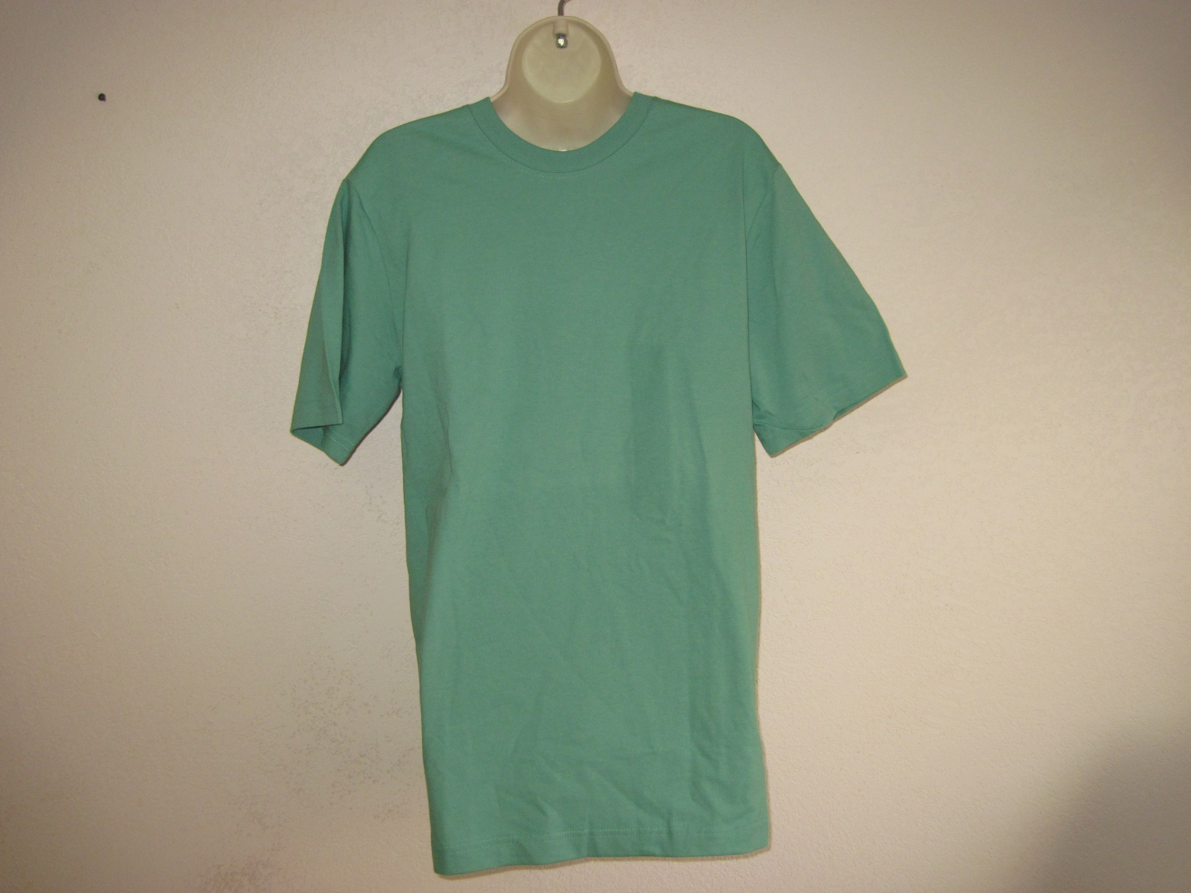 Basic Editions Sz S Short Sleeve Promo Crew T-Shirt green