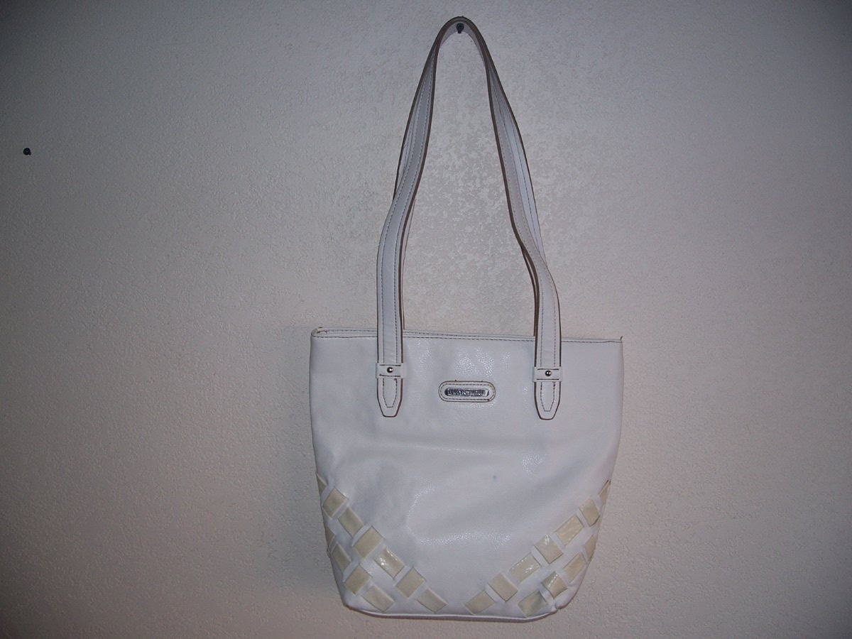 Jaclyn Smith Handbag ( White)