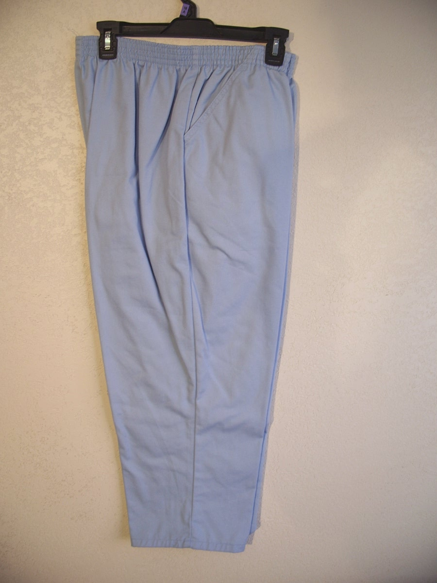 Chic Jeans Sz 18 AVG Misses Capri (Light Blue)