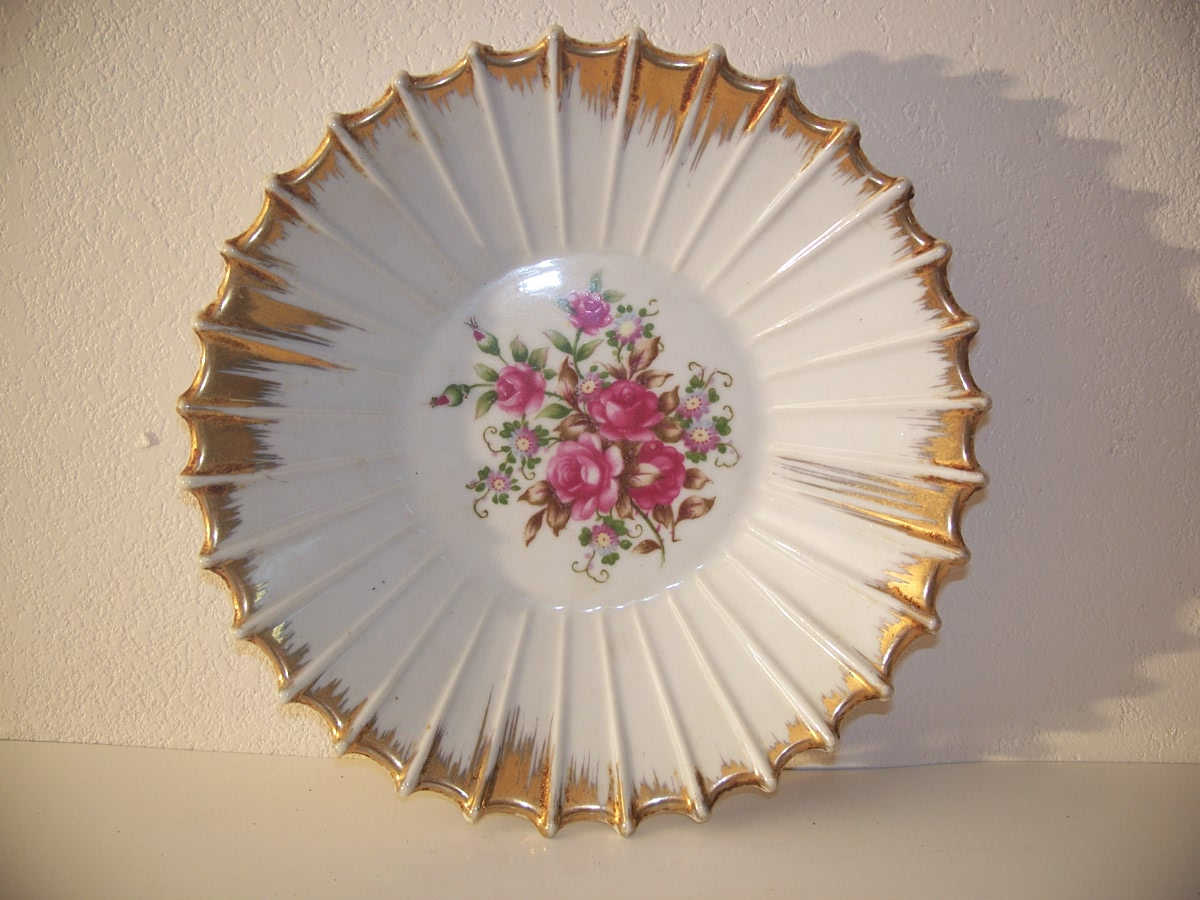 Golden Border and Rose Flowers Dish