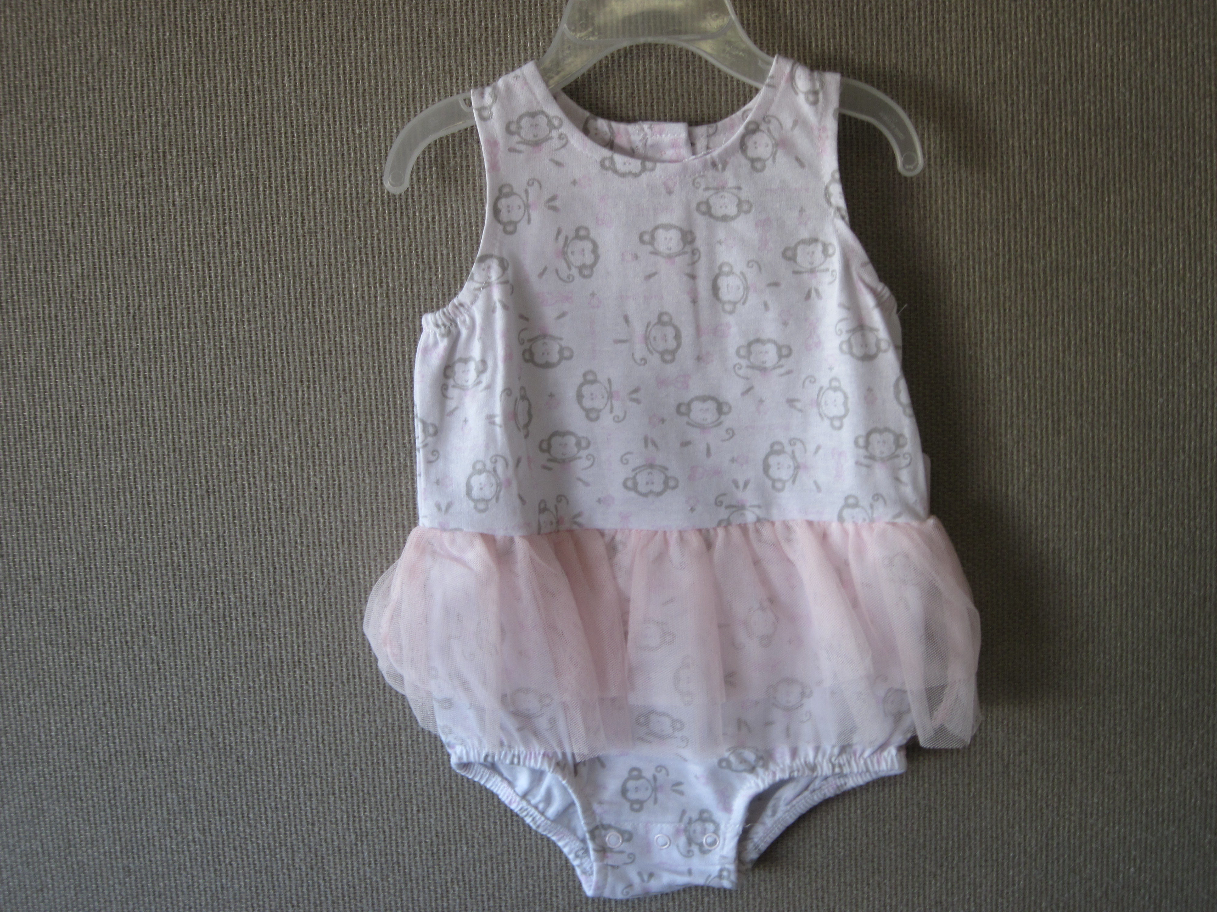 Monkey Onsie Sz 6-9 Mos (Pink & Gray with Monkeys)