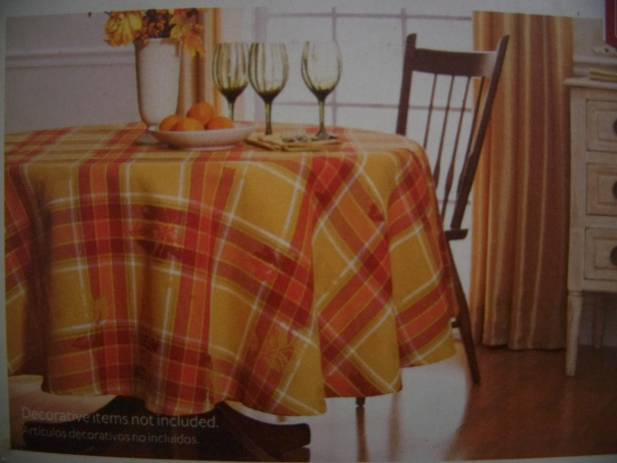 "Better Homes and Gardens 70 "" Round Autumn Leaf Plaid Tablecloth"