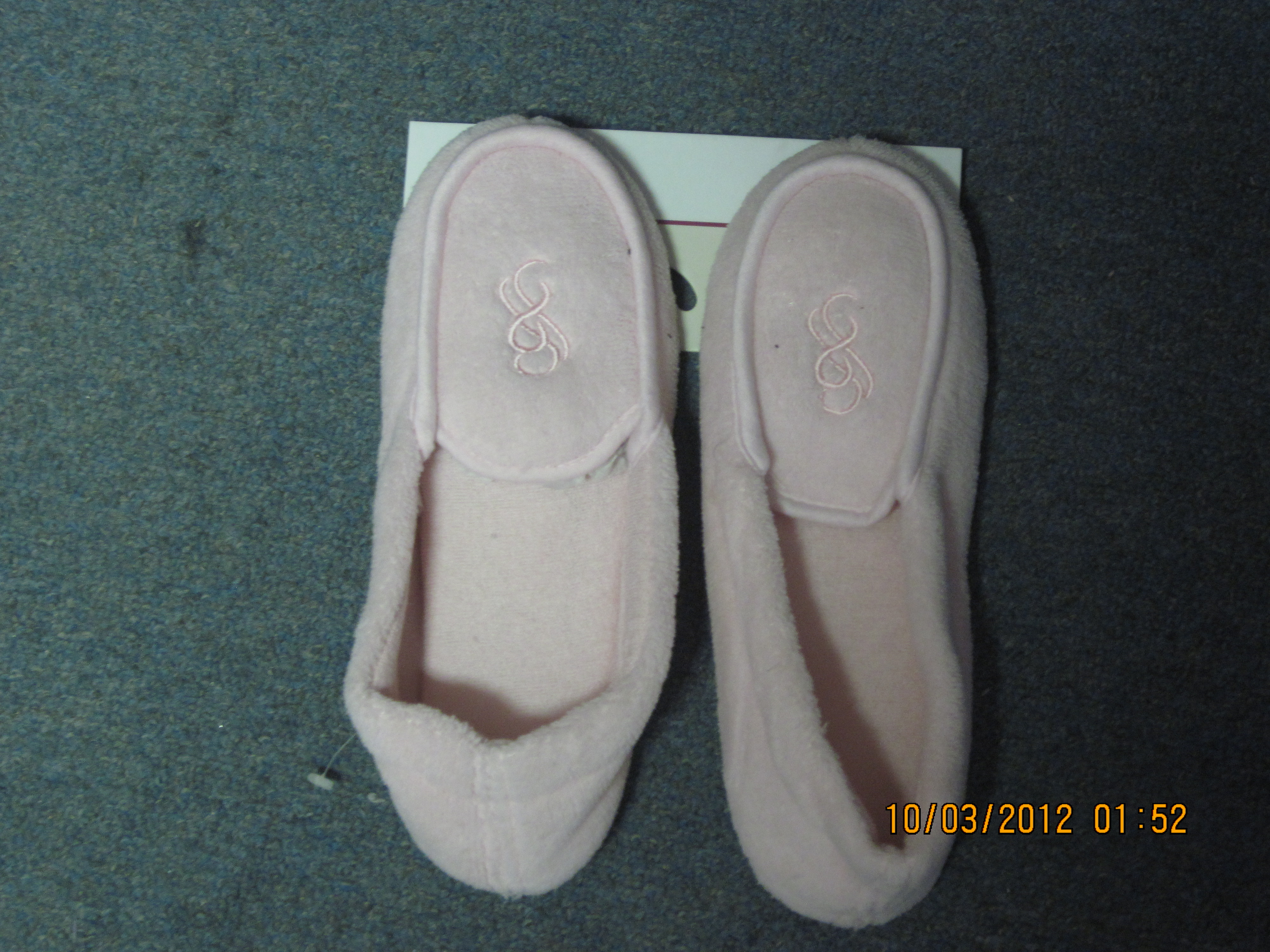 Sz Medium 7-8 Pink Comfort Slipper