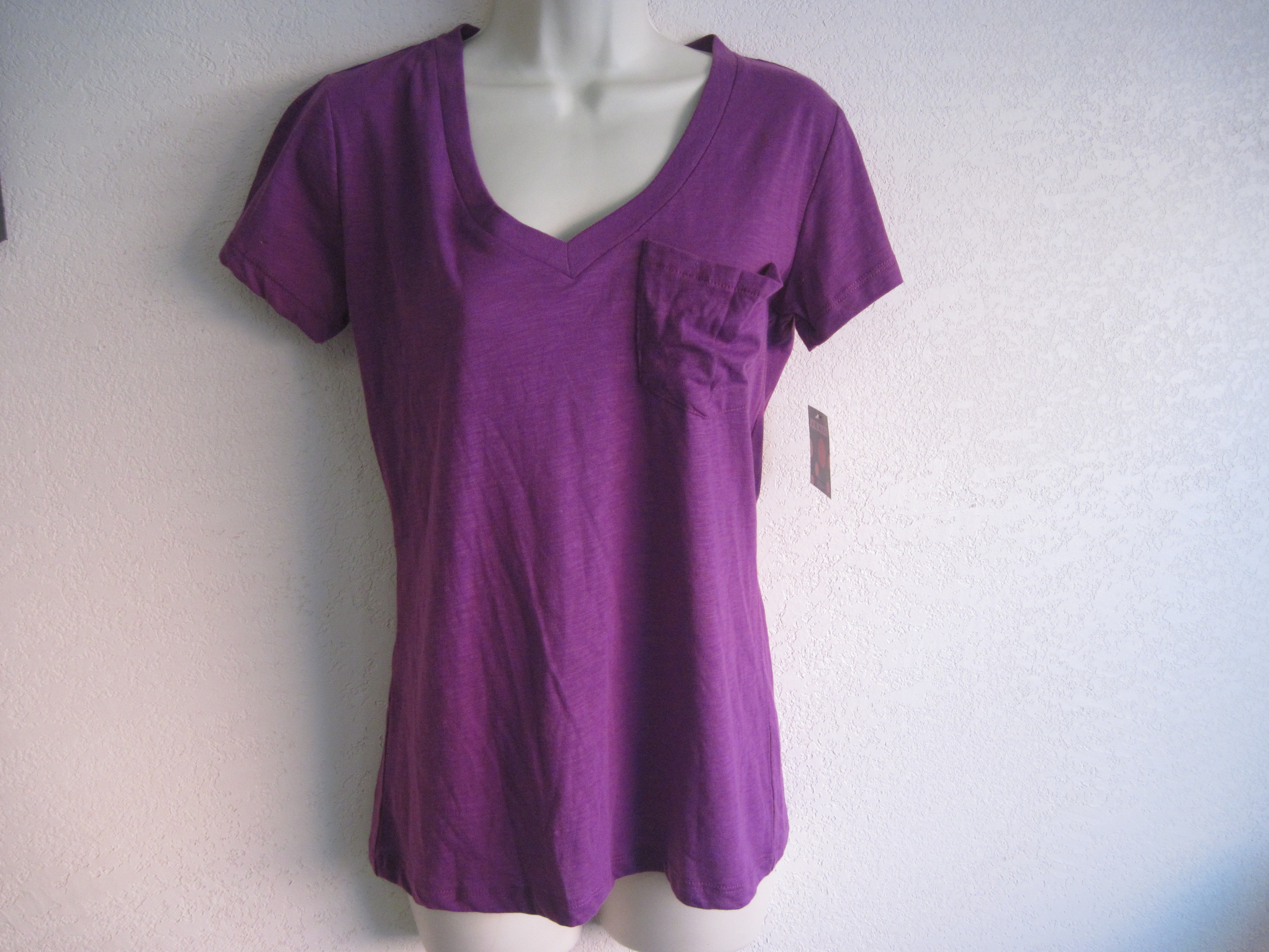 Joe Boxer Sz Small V-Neck Pocketed Tee (purple)