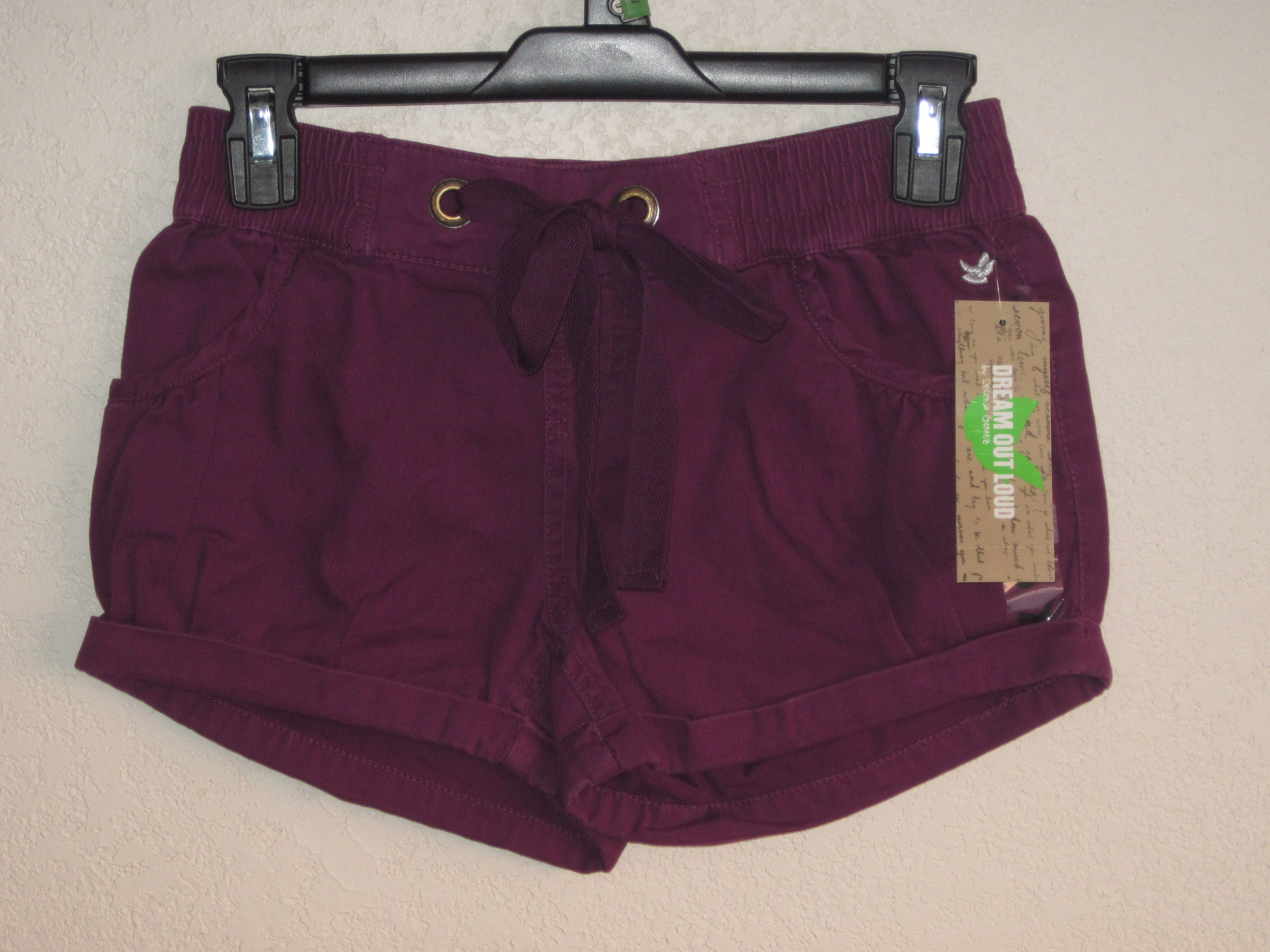 Dream Out Loud Sz Small Rolled Cuff Short Shorts (red violet)