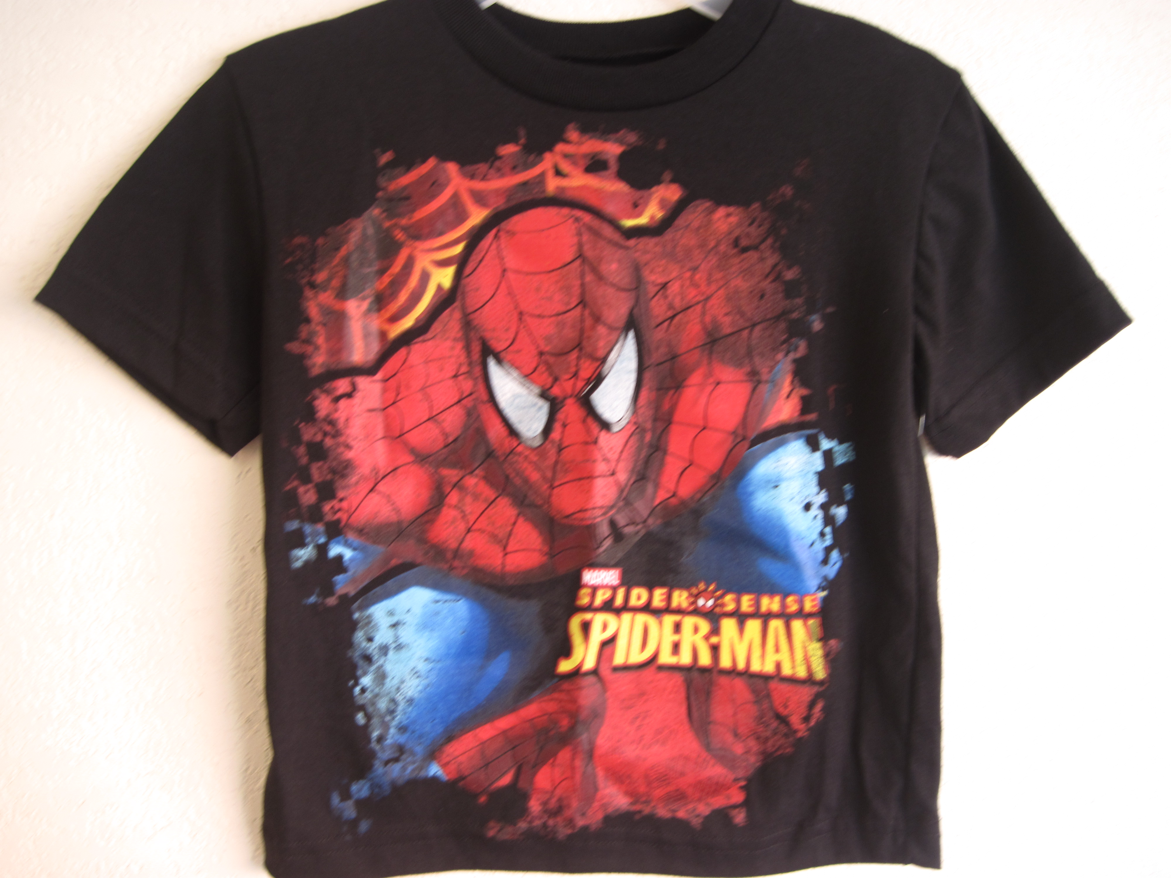 Marvel Brand Sz S (4) Spider-Man T-Shirt (black)