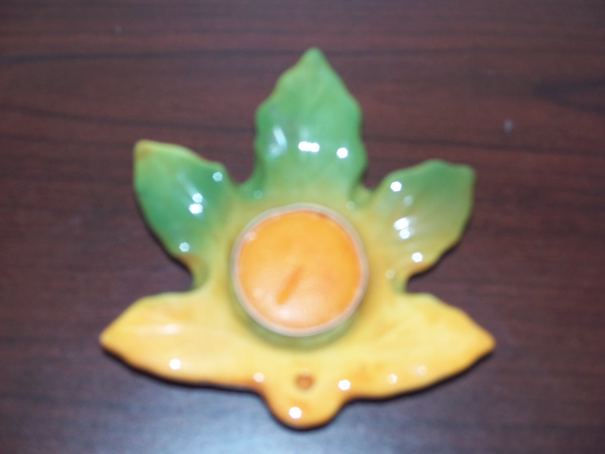 Tea Light Holder ( leaf )