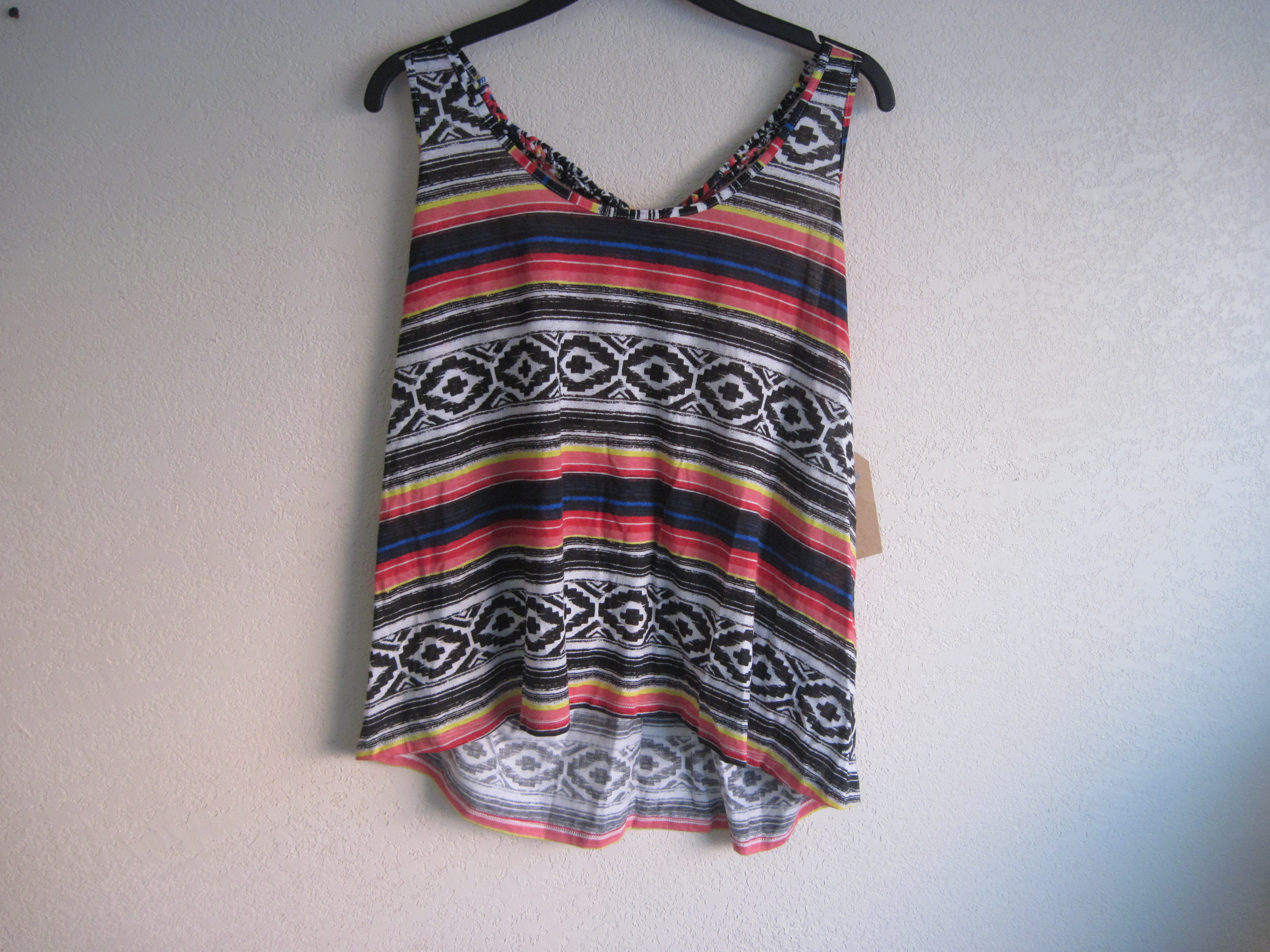 Route 66 Sz L Fashion Knits Tribal Print Tank