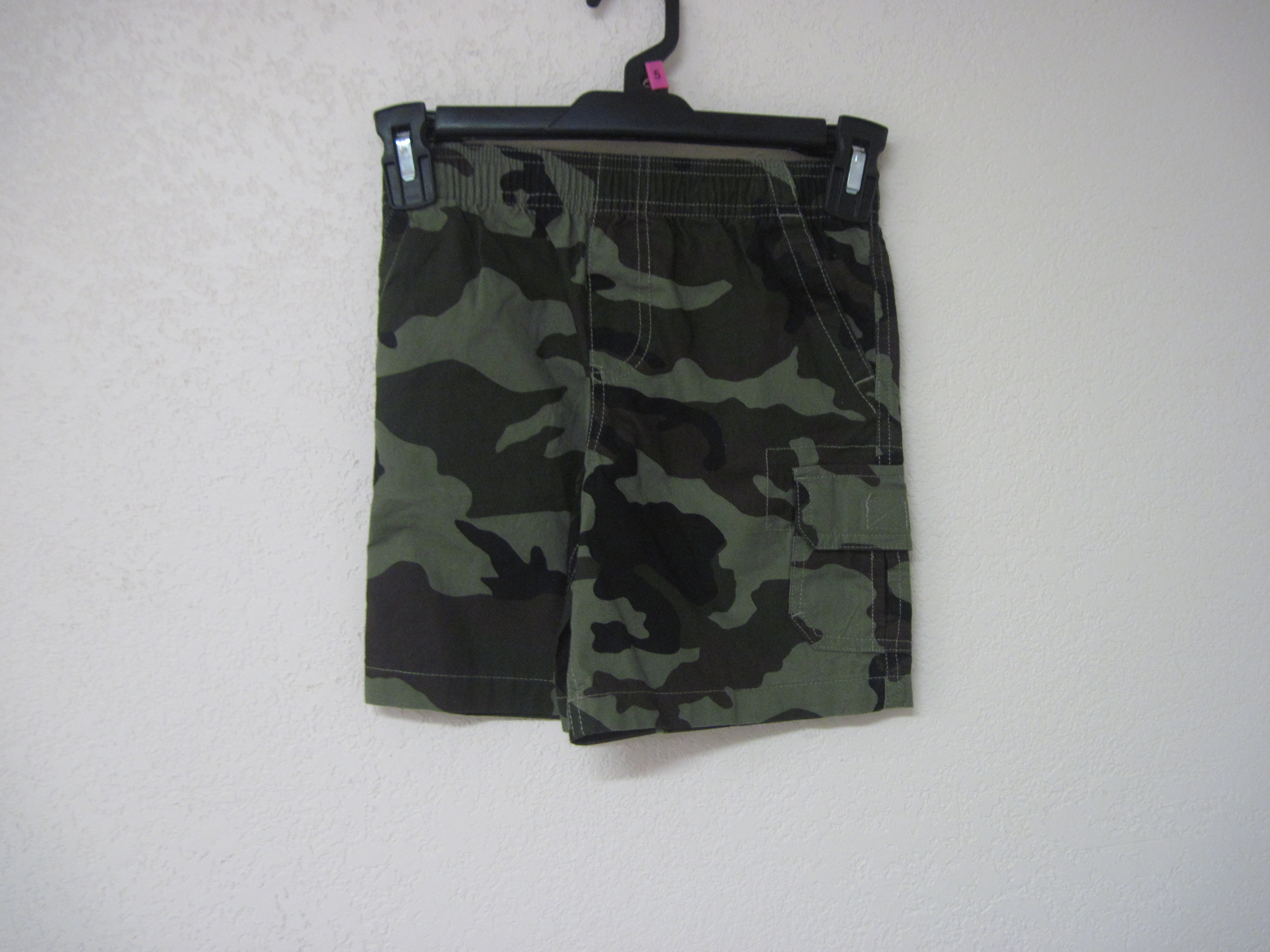 Basic Editions Sz XS 4/5 Shorts (camo)